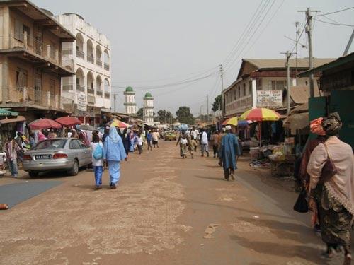 В Гамбии проживают немногим более полутора миллионов человек