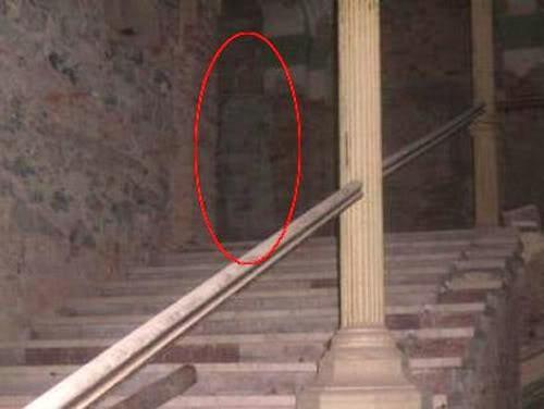 Фотографии призраков поддельные и